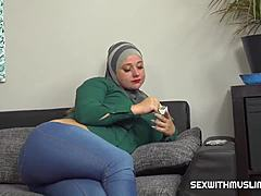Muslim queen tries a dick cigarette